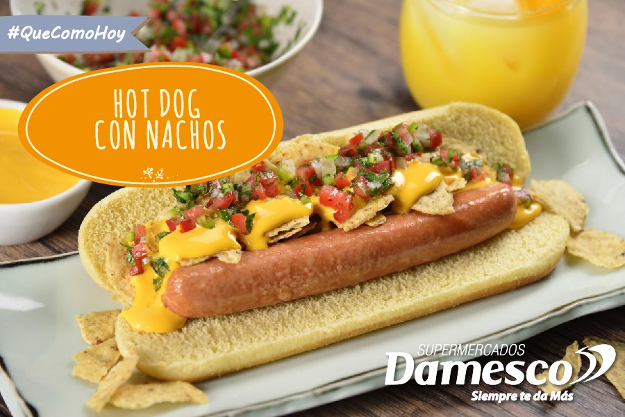 Hot Dog con nachos